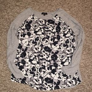 The Limited Long Sleeve Top Size Large